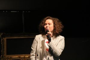 Lea Kottek, eine der beiden Moderatorinnen des Abends